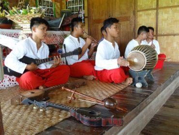 Août 2016 – Dons à l'école de Chieng Dao