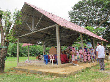 Juillet 2013 – Don à l'école Baan Maï Souk San